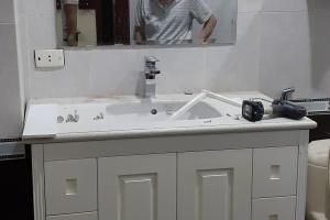 Tủ lavabo cổ điển nhỏ gọn bền đẹp