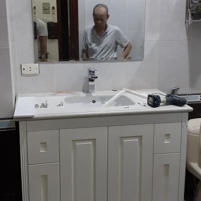 Tủ lavabo cổ điển nhỏ,gọn,bên đẹp