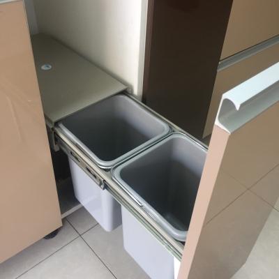 Thùng rác : loại tròn, loại 2 ngăn.